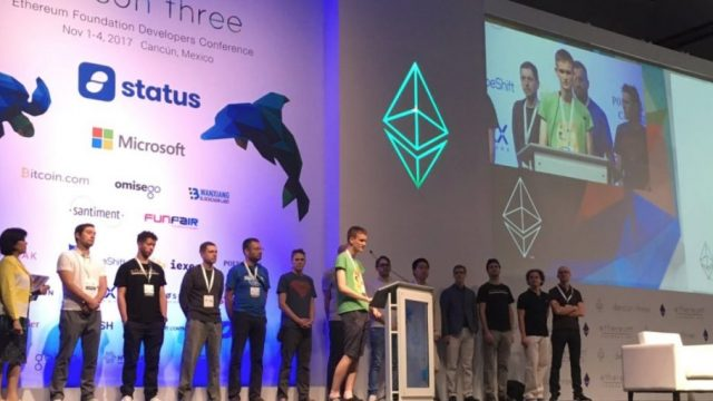 Présentation de Vitalik Buterin pendant la Devcon3