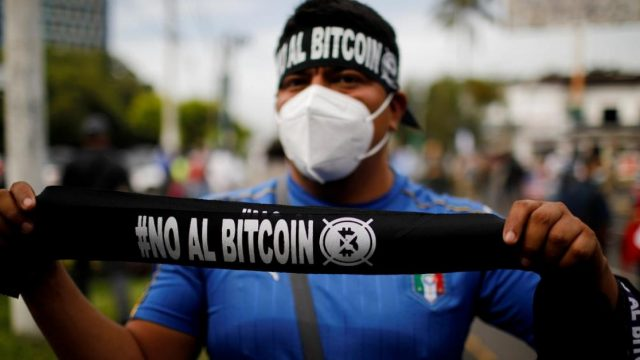 Manifestant Bitcoin Salvador