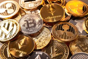 Pièces de plusieurs crypto-monnaies